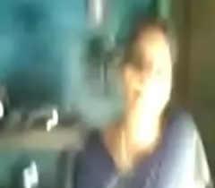 VID-20100504-PV0001-Thiruvanmiyur (IT) Tamil 32 yrs old married beautiful, hot and sexy housewife aunty Mrs. Vinodha showing will not hear of titties and pussy to will not hear of 23 yrs old unmarried fellow-citizen on every side law (Kozhundhan) sex pornography video