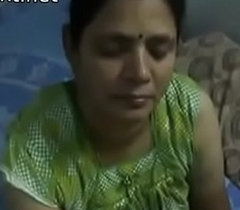 Indian desi mom gives very hot oily handjob to say no to son