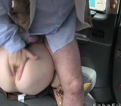 Masked opposite number Indian brunette fucks in cab