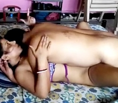 Delhi Housewife Reshma Fucks Around Husband's Band gather up - PORNMELA.COM